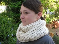 A Hint of Snow Cowl Knitting Pattern