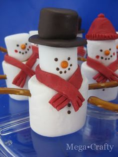 Marshmallow snowmen. So cute!