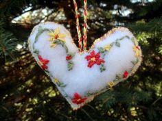 Free Embroidery Patterns: 8 Christmas Projects from @AllFreeChristmasCrafts