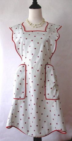 vintage ladies aprons | Ladies Full Vintage ApronSize Large/XL by MessyMessyMe on Etsy