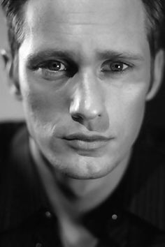 Alexander Skarsgard....I, I, I love youuuuu.