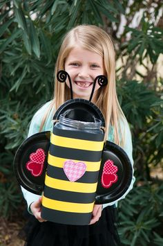 bumbl bee, valentin box, valentine's day box, valatines day box, bumble bees, bee valentin