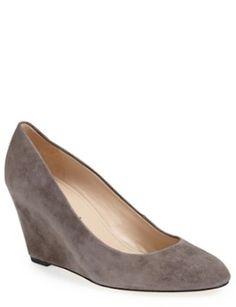 low heeled suede pumps http://rstyle.me/n/pmqv9r9te @nordstrom