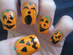Fantásticas uñas con figuras de calabaza