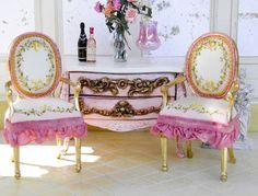 Good Sam Showcase of Furniture Miniatures