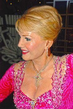Debbie Reynolds at Madame Tussaud's Wax Museum ~ Las Vegas, Nevada