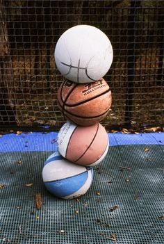 Put old basketballs on a pole and I'm gonna spray paint them for my room!! Even though its not pictured.
