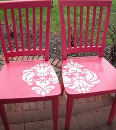 Trash to treasure.  Love these DIY re-painted dining chairs with stenciling.  Definite TO DO for craft room chairs.