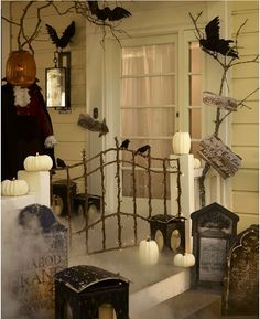 Halloween porch idea, love the little gate! halloween porches, halloween costumes, décorat halloween, crow, front porches, costume halloween, black cat, haunt halloween, gate