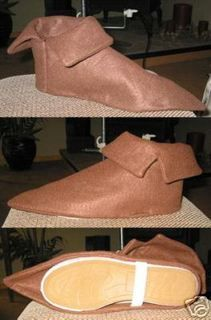 Costume Shoe Covers Peter Pan Elf Seven Dwarfs | Could be made with felt and hot glue! My fave way to make costumes ;)
