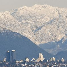 Vancouver panorama view of the Coast mountains. #mountains #view #Vancouver