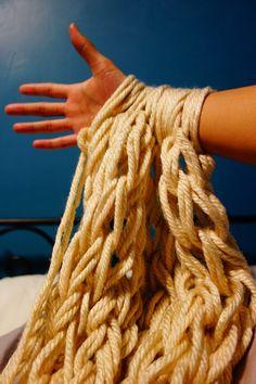 diy arm knitting scarf | arm knitting | Tumblr ***tutorial videos***