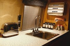 vintage restored rv interior that.this is beautiful!so simple