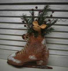 primitive christmas skates | PRIMITIVE FOLK ART ARTIST HANDMADE CHRISTMAS MOUSE DOLL ICE SKATE DOOR ...