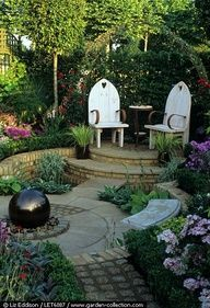 Small and gorgeous backyard design