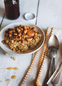 Gruau+de+quinoa+et+garniture+de+noix+&+bananes+caramélisés