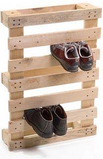 upcycled pallet wood shoe rack - great idea