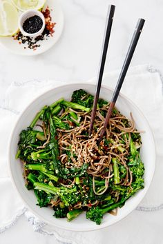 Rapini (also called broccoli rabe) is a cruciferous wonder full of health benefits! | Try this Rapini Noodle Bowl made with buckwheat soba from A House in the Hills