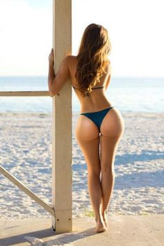 sexy ass, apple bottom, thick booty, perfect juicy bum, seductive at the beach