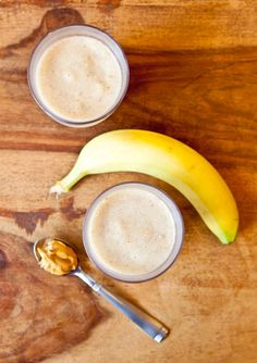 Creamy Cookie Butter White Chocolate Banana Smoothie. TJs Speculoos Cookie Butter Spread or Biscoff Spread never tasted so decadent.
