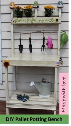 Cute DIY Pallet Potting Bench | Do It Yourself Home Projects from Ana White{be careful to use Heat Treated (HT) pallets, not chemical treated (MB), look for ink stamp on the pallet before using}