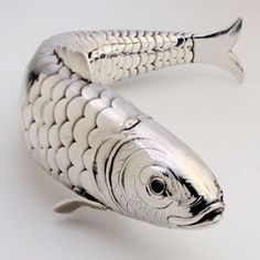 Articulated Silver Fish Box 1902