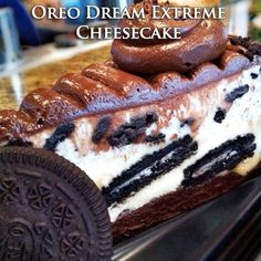 Oreo Dream Extreme Cheesecake (Cheesecake Factory Copycat)