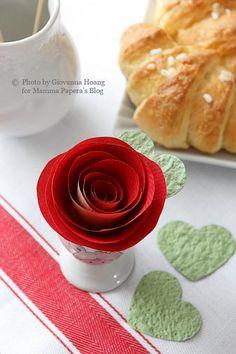 Mamma Papera — Decorazioni per la tavola di San Valentino: rose di carta fai da te con tutorial