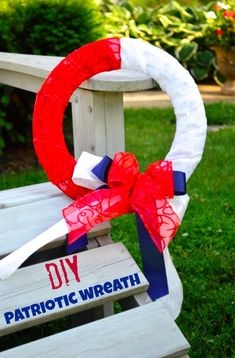 Patriotic 4th of July Wreath tutorial