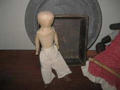Early New England Doll............Pencil/Painted features.....Stitched fingers.....Shaped Feet.......