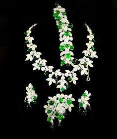 KRAMER, N.Y. Diamante & Emerald Poured Glass Beads Necklace, Bracelet, Pin & Clip Earrings Set