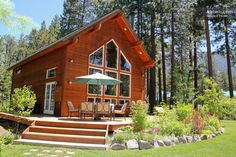 Cabin in South Lake Tahoe, with its own private beach.