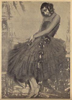 "Joséphine Baker Portuguese magazine, ""Ilustração"" published 1930."