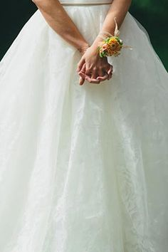 A bride always looks good in Vera Wang // Photo By: http://jonaspeterson.com