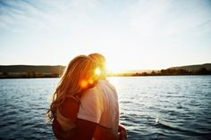 romantic getaways, a kiss, sunset pictures, photography couples, family photo shoots