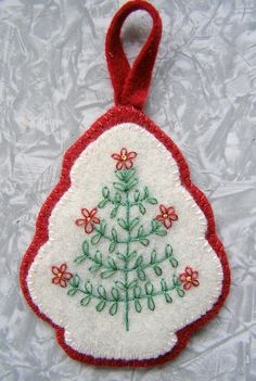 Christmas embroidery - no tutorial