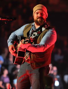 An uncaged Zac Brown commands the stage during a performance on Nov. 16 in San Jose, Calif.