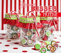 Christmas Hershey's Kisses Free Printables holiday, treat bags, bag toppers, gift ideas, jar craft, christmas printables, hershey kisses, neighbor gifts, christmas gifts