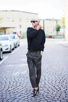 slouchy pants for Fall, YES!