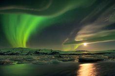 ALLPE Medio Ambiente Blog Medioambiente.org : Auroras, iridiscencias, una nube lenticular, un glaciar, un lago, la Luna y estrellas (en una ...