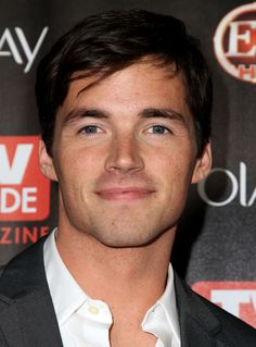 in love with Ezra from pretty little liars