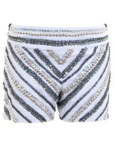LES PARENTS Shorts Branco Com Bordado Em Pedraria. Rutiléia Acessórios Exclusivos também faz! Sob Encomenda. rutileiamartins@yahoo.com.br
