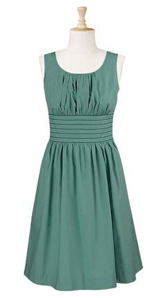 Cute dress. Simple and fun.