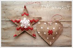 DIY country chic ornaments.Collect your materials. You'll need coffee sacks or burlap fabric, stencils, glitter, Baker's twine or thread, paint, fabric glue, scissors, a paintbrush, and paper.