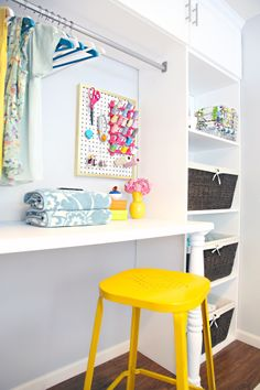 such a pretty laundry room //