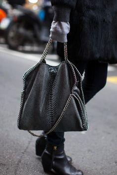 stella mccartney #vegan #fashion #crueltyfree #designerhandbag