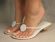summer feet-pretty-white-feet
