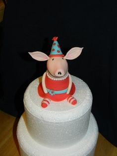 Olivia Fondant Cake Topper cuti cake, idea, olivia birthday, cake decor, olivia 1st, cartoon cake, fondant cakes, cake toppers