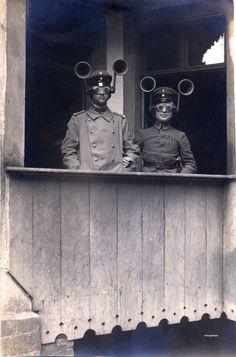 c. 1930s: Soldiers with sound locators