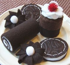 Felt Play Food 'Chocolate Cookies and Cakes'